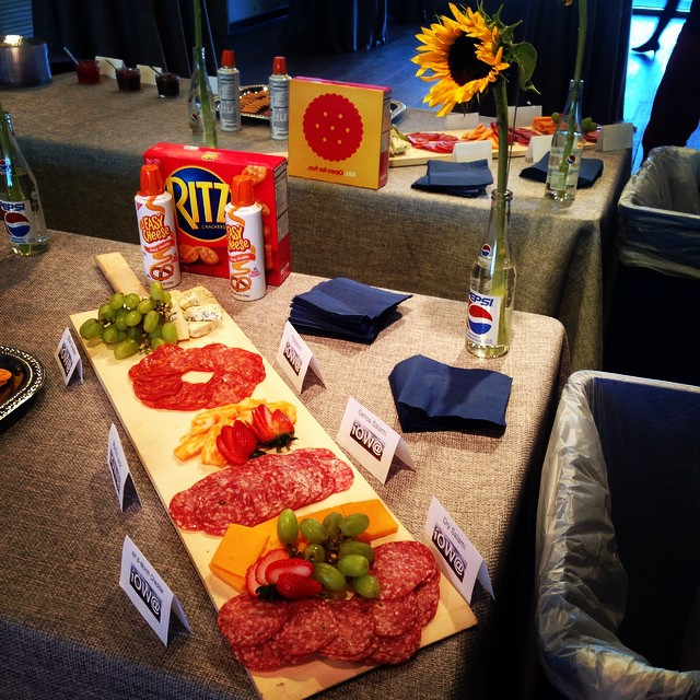 All about that #americana at the @famebyalexmitow catering for @phnyc #playwrightshorizons #IowaPh #cheezwiz #kraft #easycheese #patronnight #theater #party #broadway #offbroadway