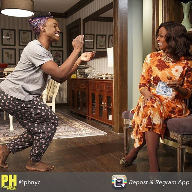 Repost from @phnyc - Greetings, in the traditional Shona way \U0001f44f\U0001f3ff #FamiliarPH #danaigurira #zimbabweansbelike