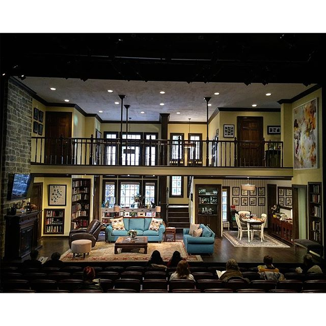 This is amazing I want to move in. #familiar at @phnyc has an incredible #setdesign by @clintramos and #lightingdesign by #tylermicoleau #familiarPH #offbroadway 21/16