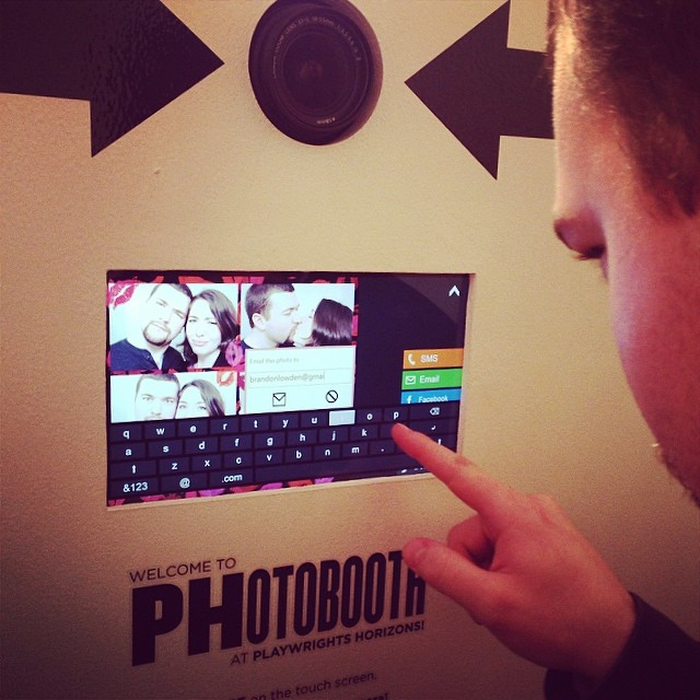 Trying to figure out this swank new #photobooth @phnyc's #StageKiss #afterparty \U0001f4f7